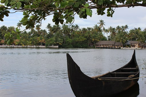 Kerala Tours- An Experience To Be Treasured Forever by:Urvashi Beniwal